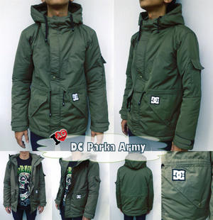 Jaket parka DC adalah jaket yang hangat, keren, dan nyaman dipakai