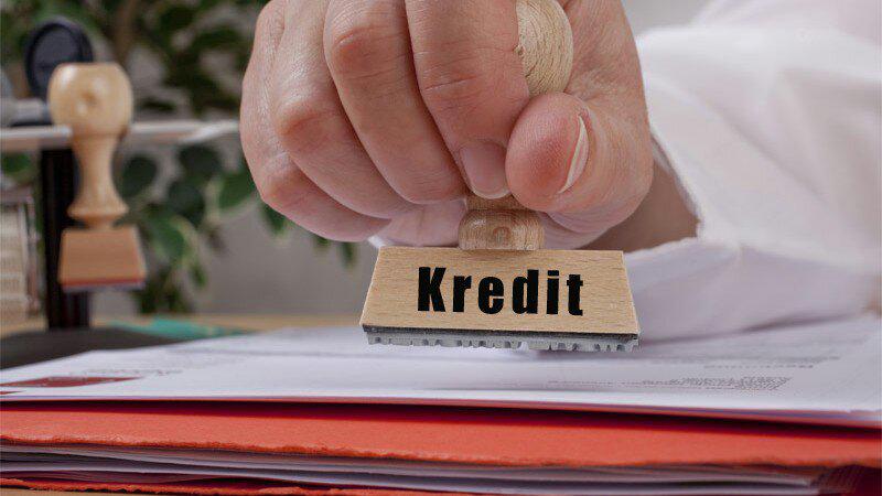 Hasil gambar untuk suka duka analis kredit