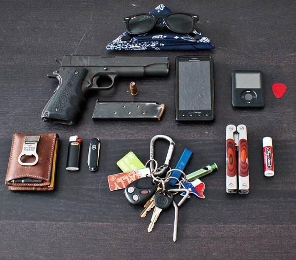 EDC ata every day carry kit ,barang barang yg selalu agan ...