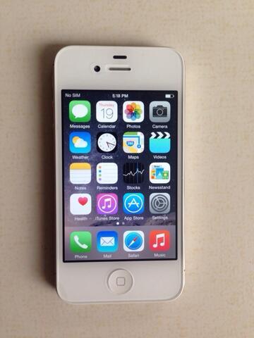 Iphone 4s 16gb white fullset muluss murah meriah! masuk gan!