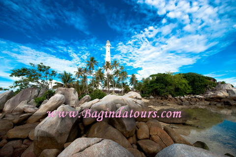 https://res.cloudinary.com/daydapk4h/image/upload/v1518063814/paket-wisata-belitung_zy4b1y.jpg