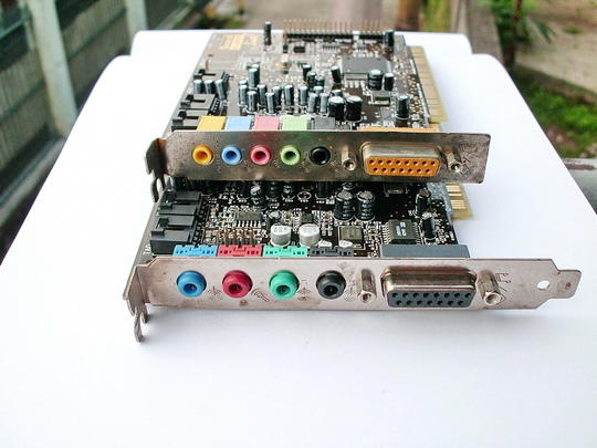 скачать драйвер sound blaster model sb0100