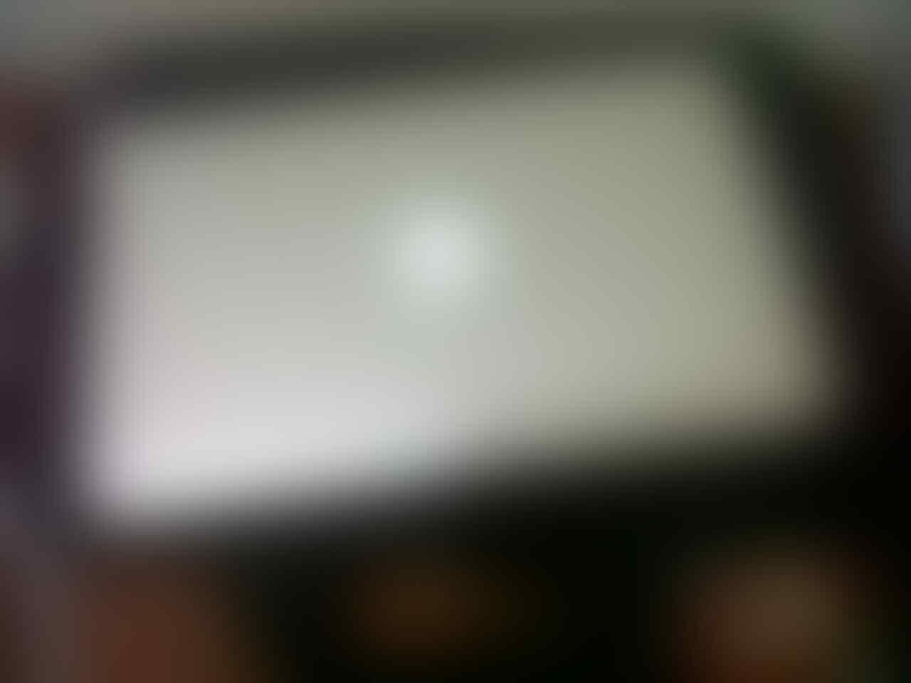 WTS Macbook Air Core i5 SSD 64GB RAM 2GB LIKE NEW MURAH KLIK GAN