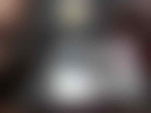 BLCKBERRY DAKOTA 9900 black & white BARU GARANSI RESMI DISTRIBUTOR 2 TAHUN