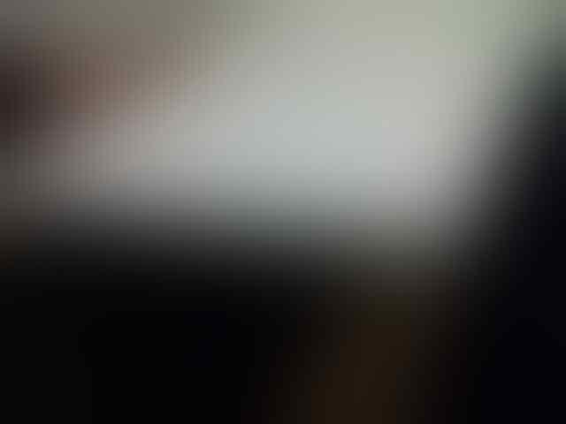 JUAL RUGI MACBOOK WHITE UNIBODY CORE2DUO/RAM 2GB/VGA NVIDIA 256MB 4,2 JUTA AMSIONg