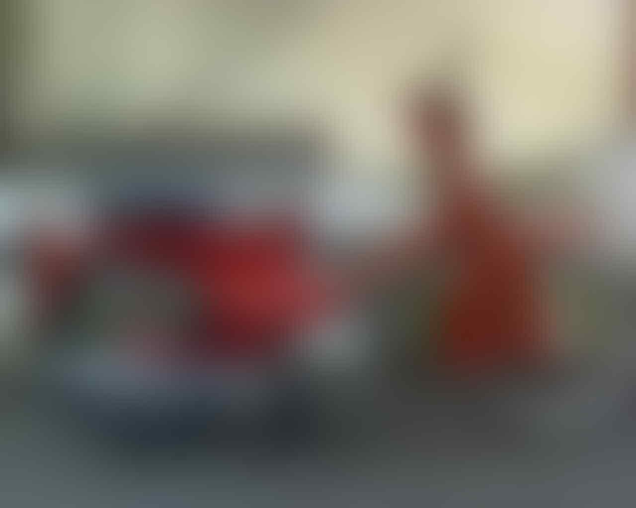 Honda C70 Pitung Merah Tahun 1980