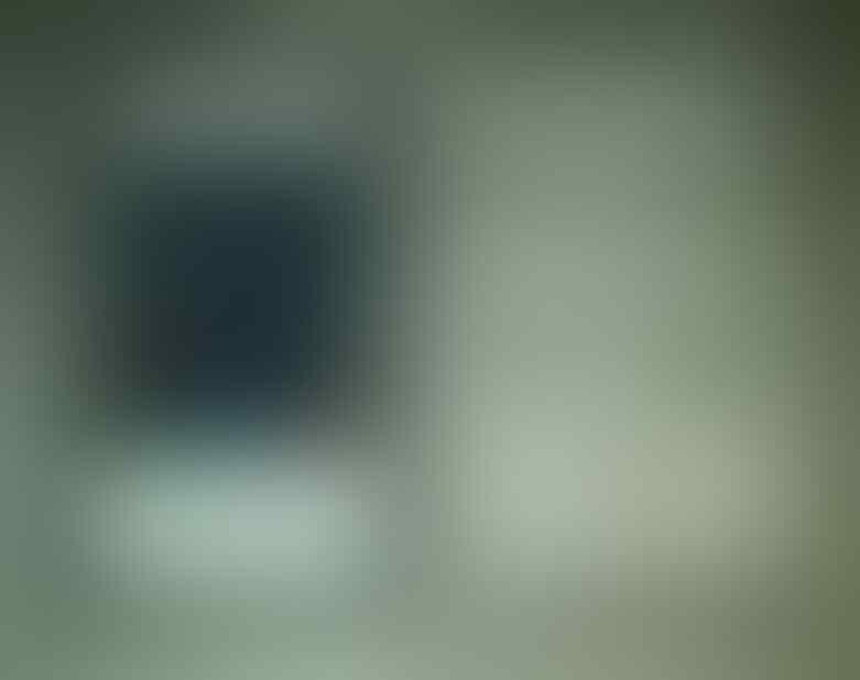 Obralll !! IPHONE 4G 16GB CDMA warna putih MULUS.. Fullset..Murah!!