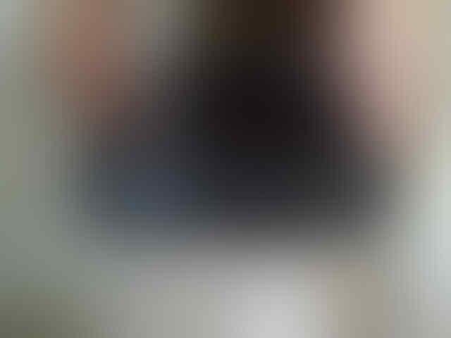 WTS-- JUAL CEPAT BLACKBERRY ONYX 2 BLACK , GARANSI MSH 1 THN LAGI - NEGO TIPIS .