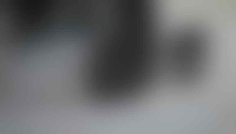 KACAMATA OAKLEY GRADE ORI TERLENGKAP & TERMURAH ( LIKE ORI 99%)