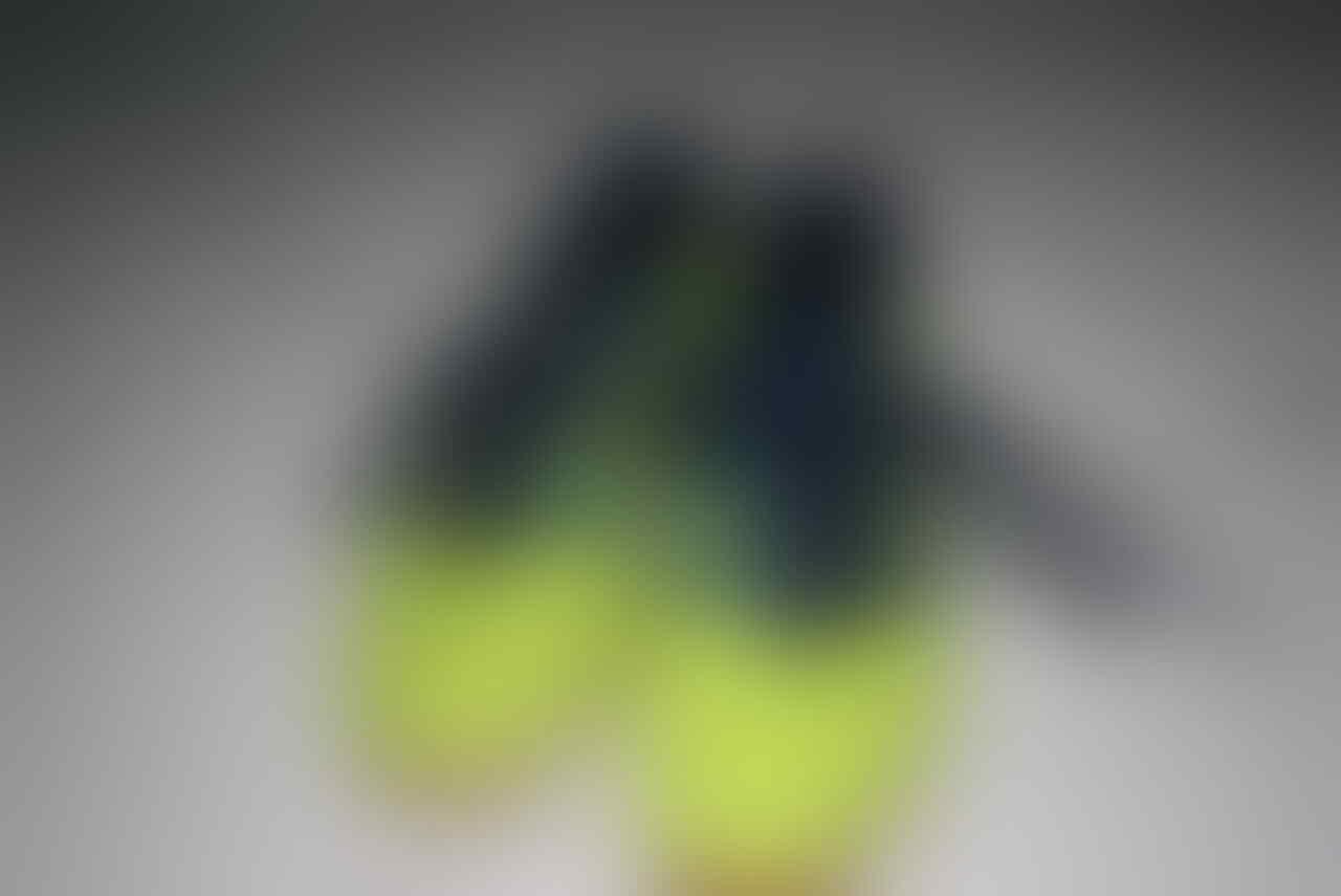 c7d2c82f463 ... boots champions league 5a8cb db536  best price wts sepatu futsal futsal  adidas predator xi trx fg fluorescent green van persie f026e
