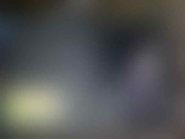 Jual Cepat - Blackberry Bellagio 9790 msh mulus