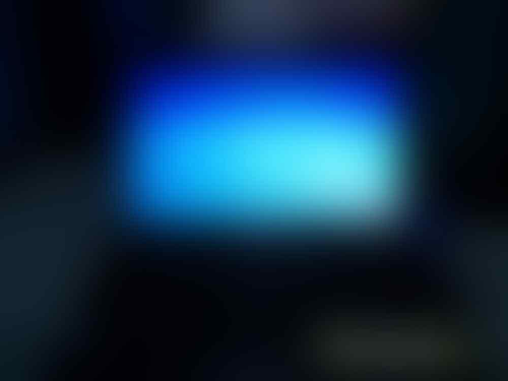 Help LCD laptop isi Garis setengah layar