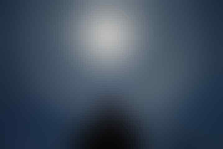 [ share ] Matahri dikelilingi cahaya bundar