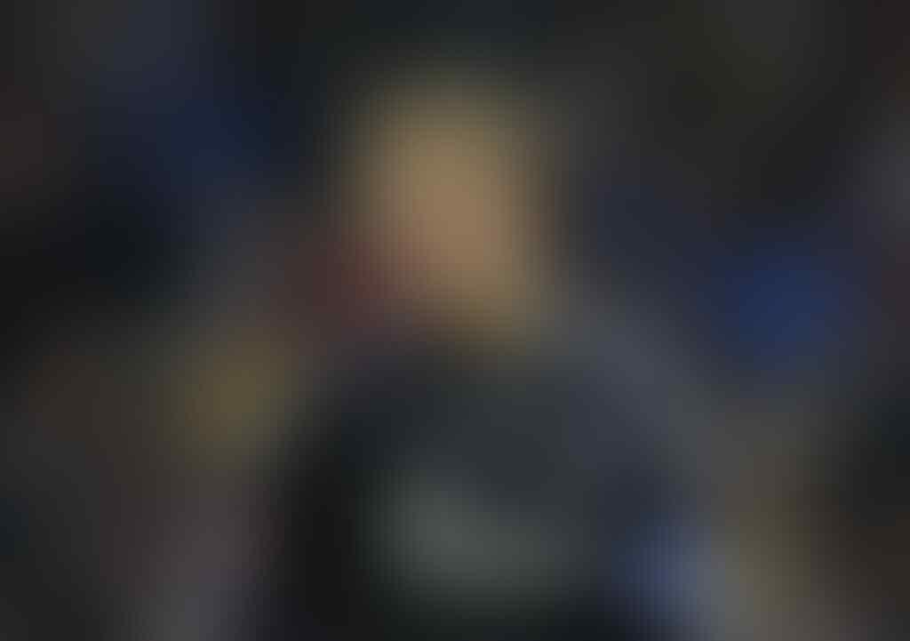 Tingkah Manuel Neuer Sebelum dan Sesudah Peluit Pertandingan