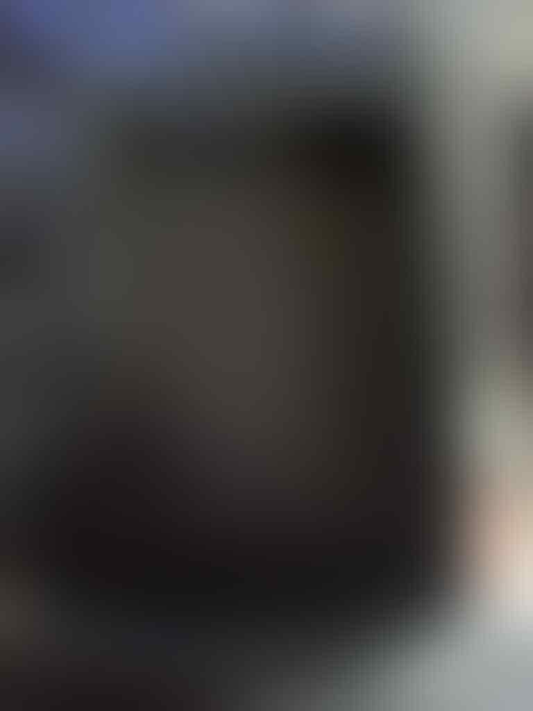BLACKBERRY ONYX 9700 FULLSET + BONUS OTTERBOX ORIGINAL 850 ribu aja