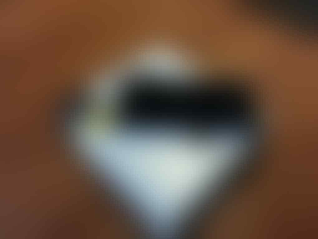 Sony Xperia Z White, Garansi Panjang & Like New ! [SURABAYA]