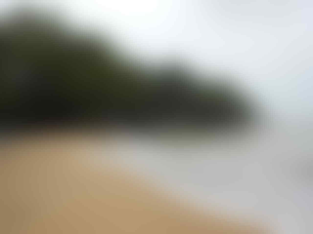 Pantai di Waktu Surut