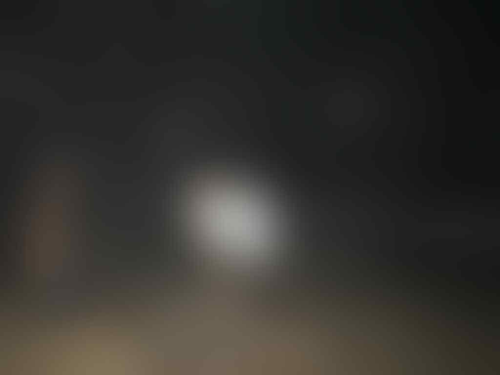 [ASK] Nanya kenapa foto ini banyak banget orbs nya, di jimbaran bali gan!
