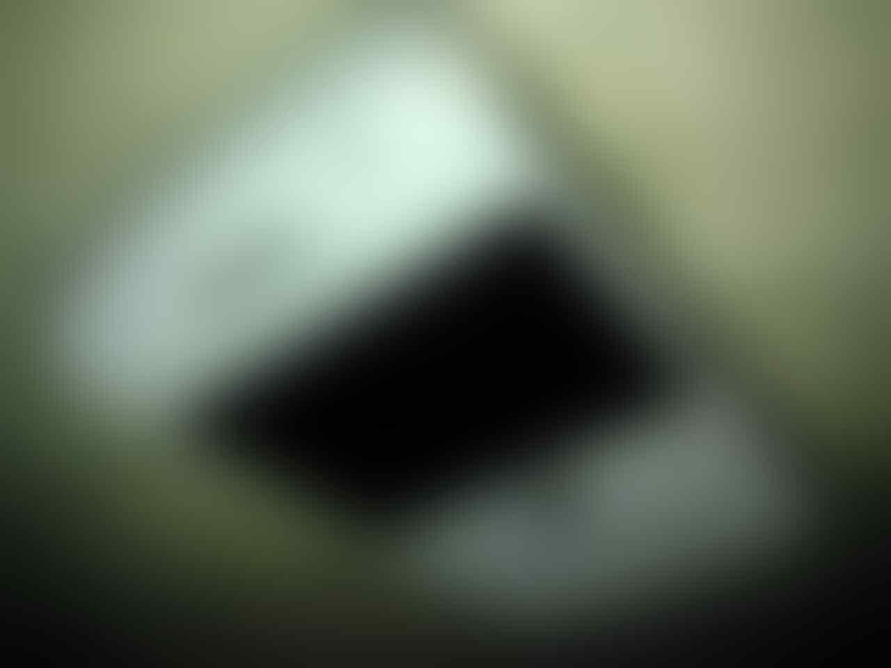 Blackberry bold 9780 white a.k.a onyx 2 ex grs TAM