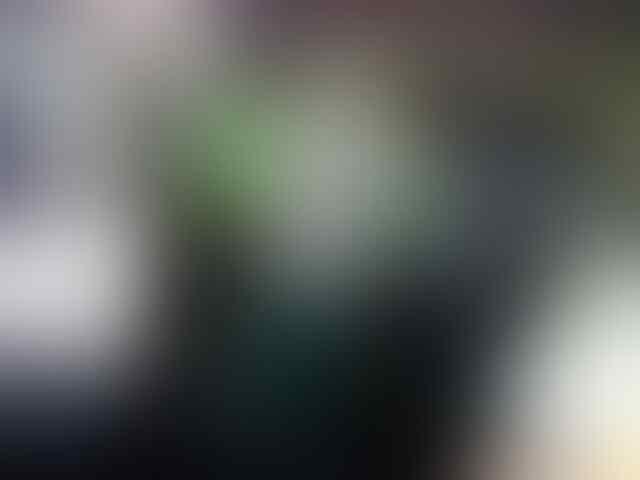 FOTO: Kisah Siswa SMK di Yogya Rela Jualan Slondok Untuk Biaya Sekolah