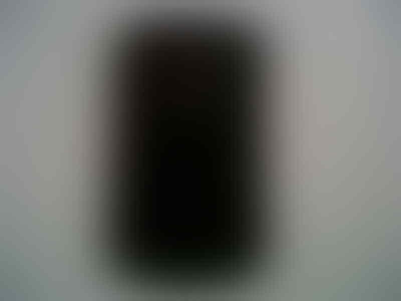 Blackberry Dakota 9900 hitam