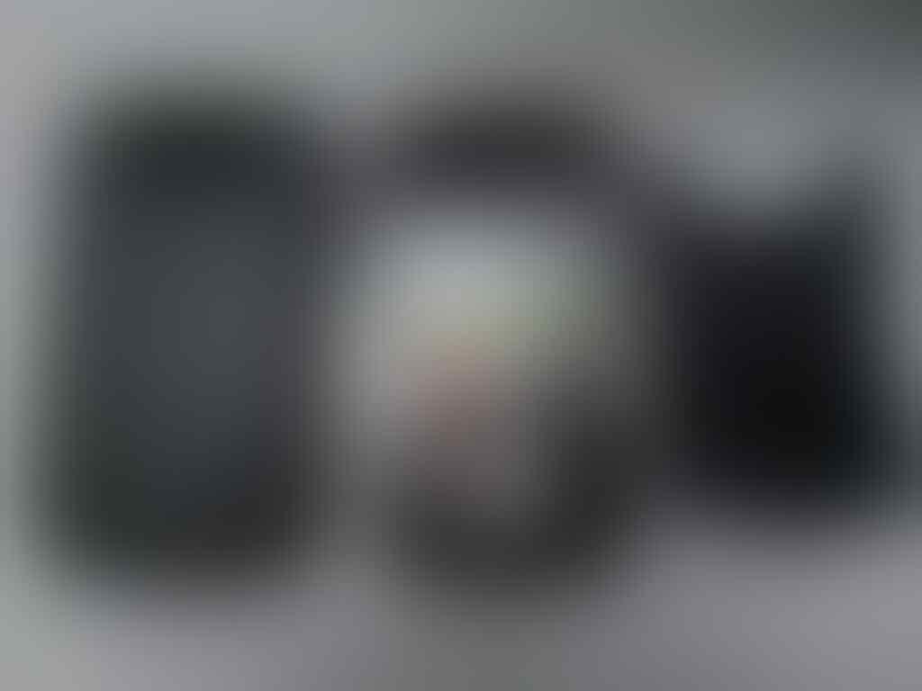Blacberry Javelin 8900 - BLACK (MULUS, TERAWAT, PIN ANGKA)