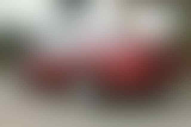 Dijual honda accord VTIL tahun 2000 cbu v6 warna merah maron