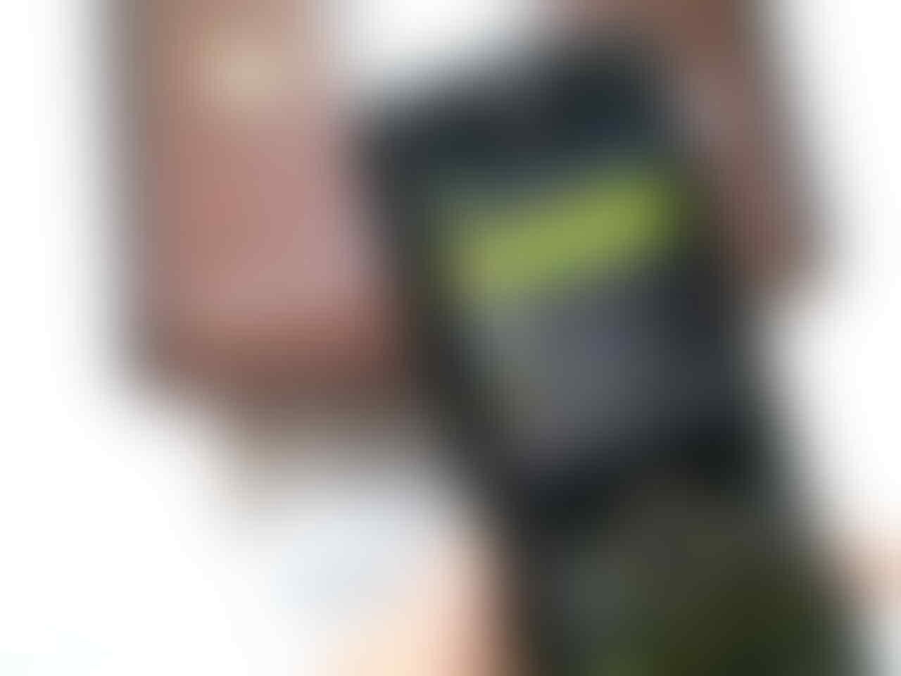 RARE Collector Item Motorola RIZR Z8 KICK Slider BNOS Fullset ORIGINAL from Russia !