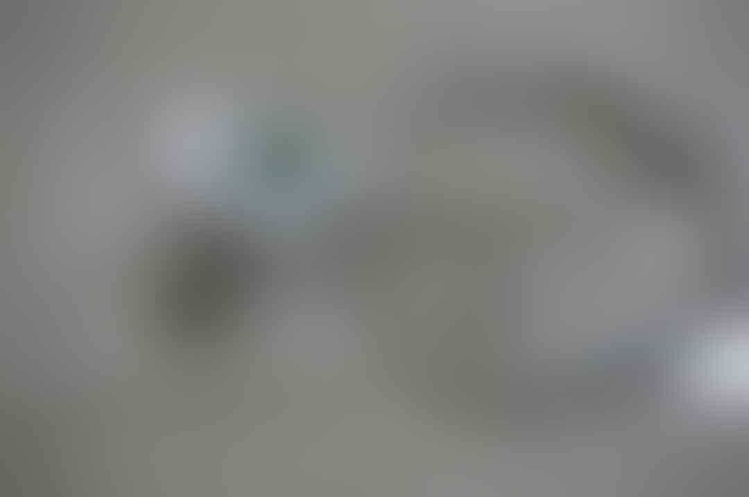 APPLE IPHONE 4 8GB WHITE GARANSI SEP 2015 & HTC DESIRE X JB BEATS AUDIO TAM BANDUNG