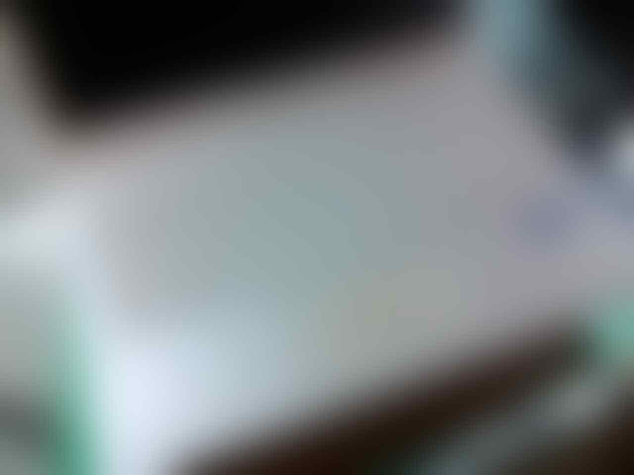 VESSA BANDUNG Laptop Samsung AMD E-300 putih merah mulus bandung