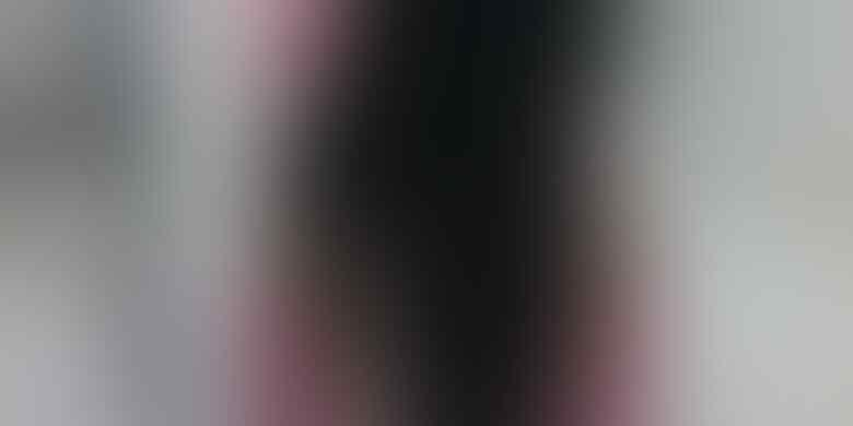 [Edan Ada Maling Rambut] Dua Gadis ABG Ini Kaget Rambutnya Dicuri di Dalam Angkot