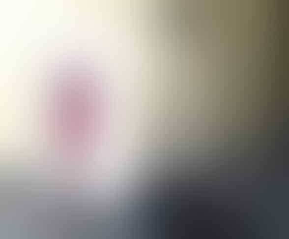 Seorang Perempuan Menemukan Foto Perempuan yg diSantet Dalam Botol di Pantai