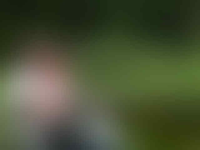 """[MIRIS or NGAKAK] Ariel Mahesa, Model Video Klip """"Tembang Tresno"""""""