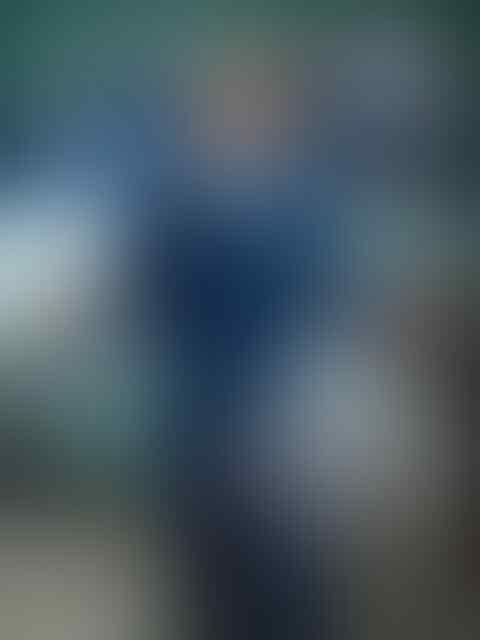 [GREGETZ] Menggengam kamera saku Hasselblad, di punggung Moto Z