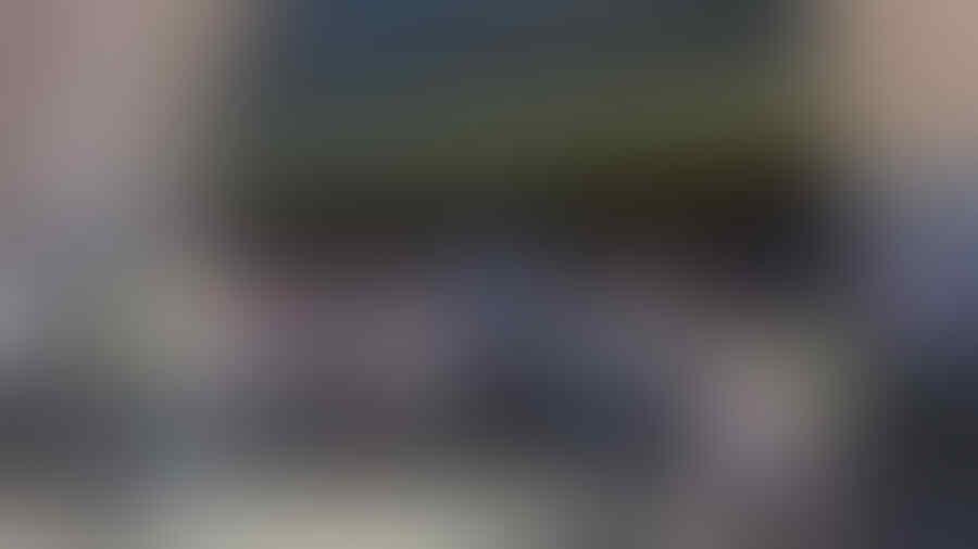 [BREAKING NEWS] Pejalan Kaki Diseruduk Mobil, 13 Orang Cedera
