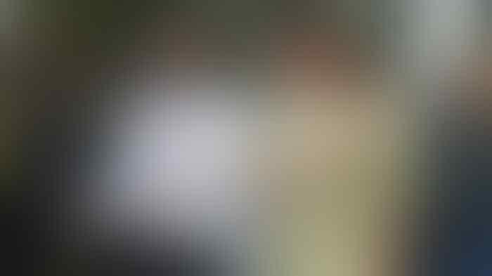 Riza Shahab Hirup Udara Bebas
