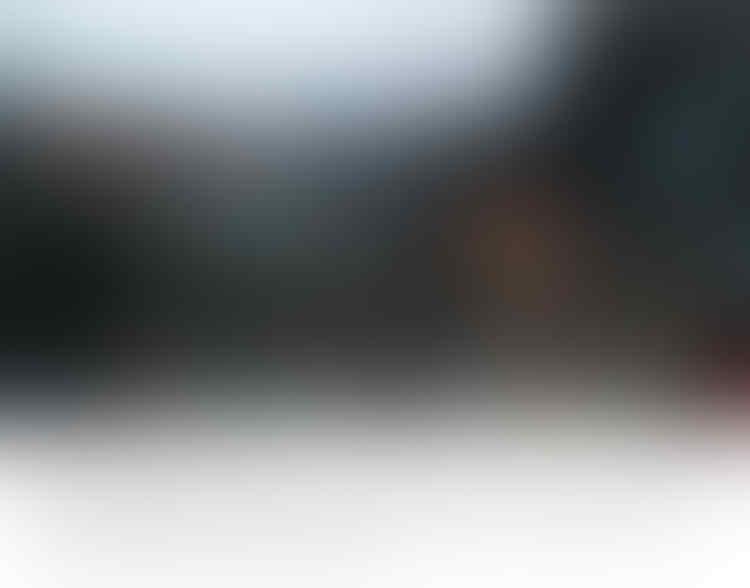 Mencekam! Warga Komplek Kodam Bakar Ban di Tengah Jalan Raya