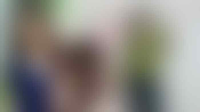 Viral, Kisah Cewek Naik Angkot Pakai Baju Motif Bunga Matahari ini bikin ???