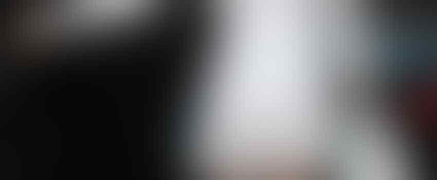 10 Inspirasi Rok ala Miranda Kerr, Stylish Buat Berbagai Aktivitas