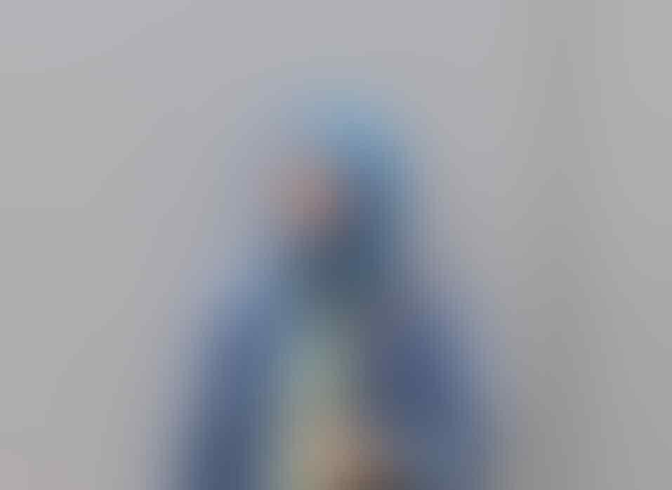 10 Inspirasi Style Hijab Kece untuk Ibu Hamil ala Zee Zee Shahab