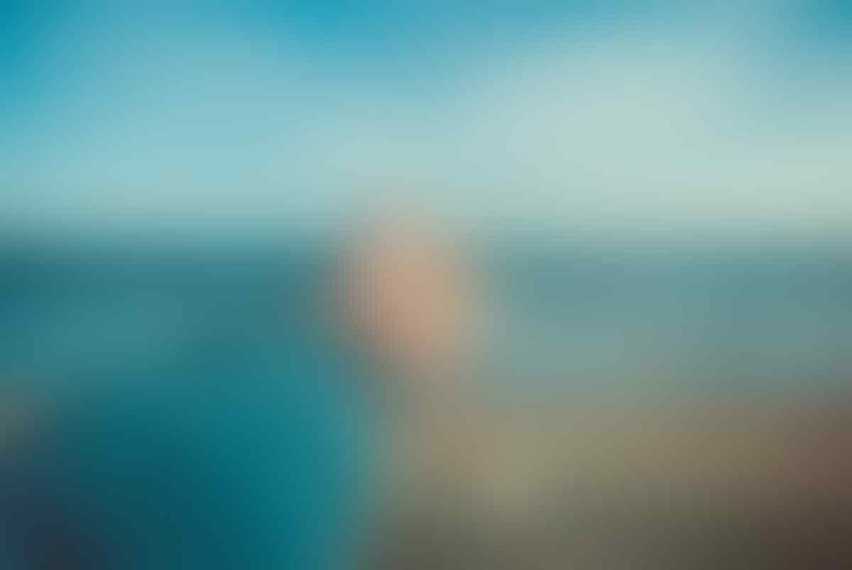 [Puisi] Di Bibir Pantai