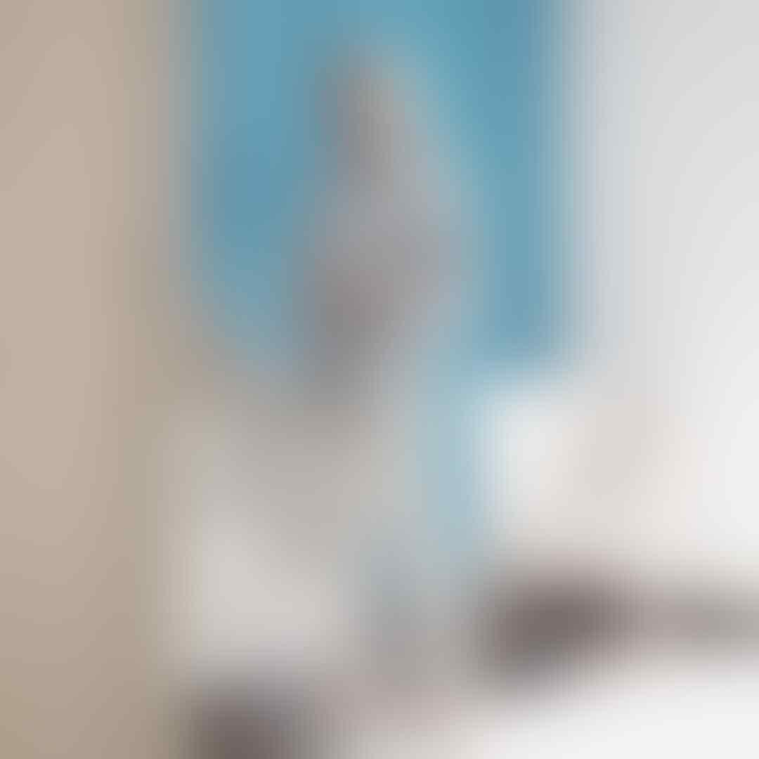 Feminin, 11 Gaya Hijab Putih ala Influencer Nabila Hatifa