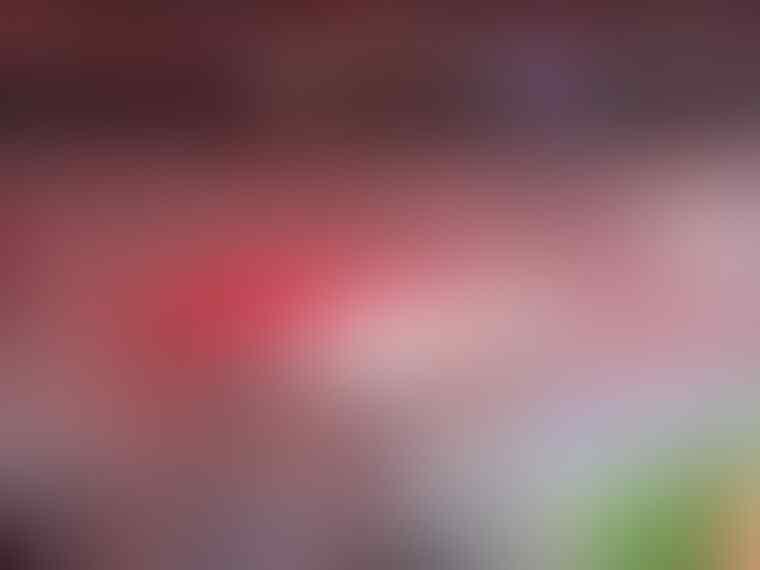 kenapa yah.. suporter sepak bola di Indonesia membingungkan..nah loh..