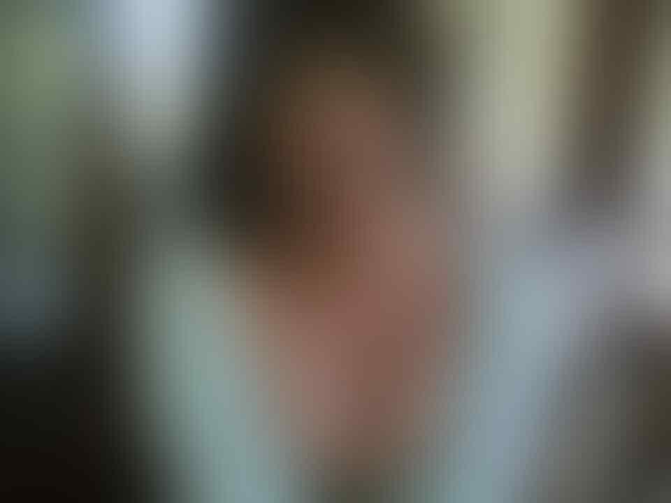 Gadis Cantik Naik Angkot Ini Viral, Banyak yang Kaget Saat Tahu Namanya