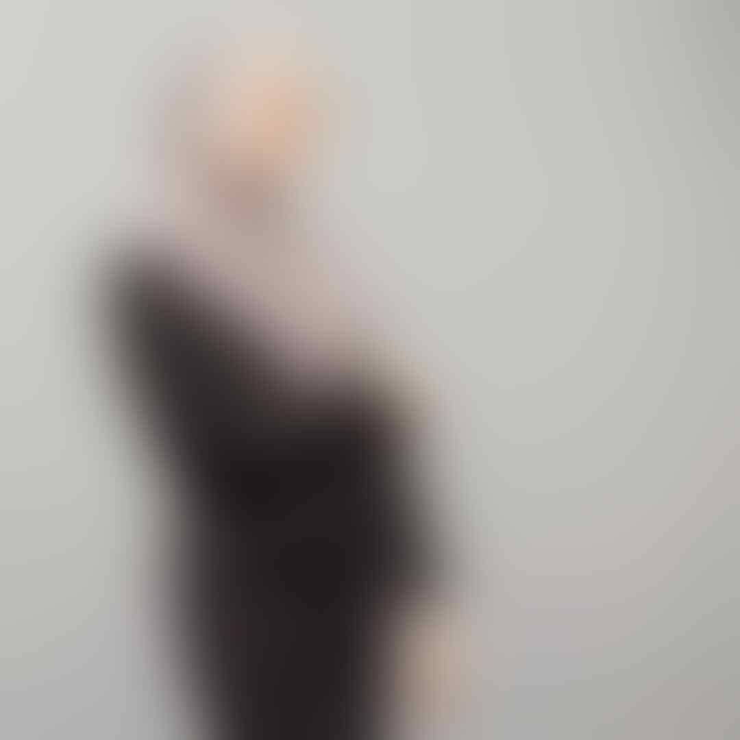 10 Potret Lirasadika, Dokter Muda & Hijaber Bersuara Merdu Asal Malang