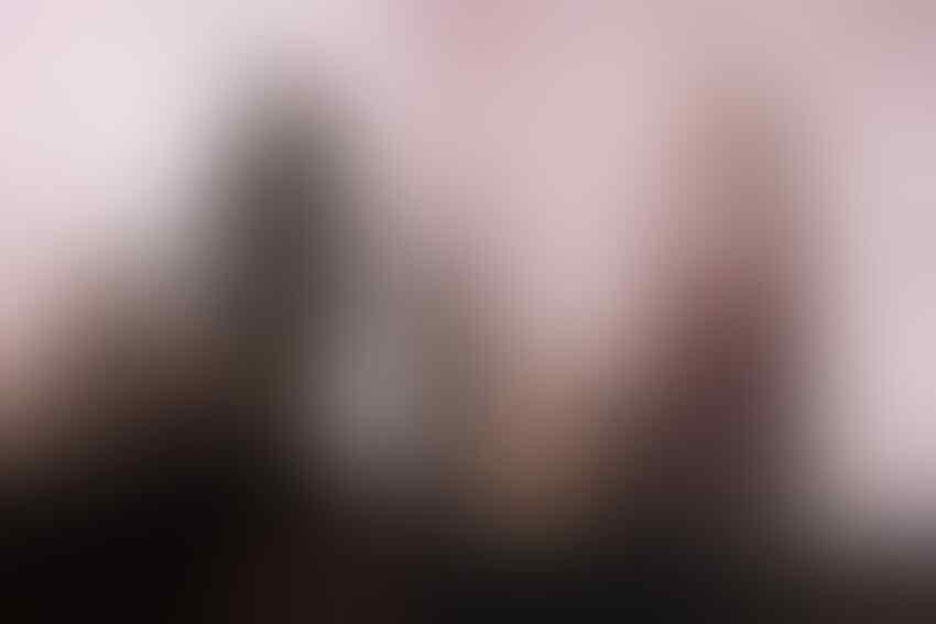 Adu Gaya Dian Pelangi Vs Mega Iskanti, Glamour & Elegan Berbalut Hijab
