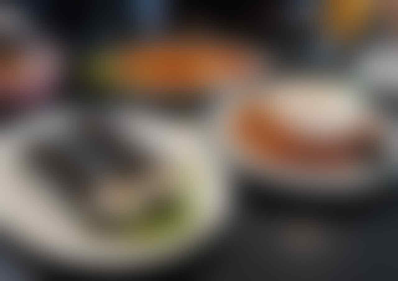 7 Kelakuan Anak Muda Pas Makan di Resto Mahal.