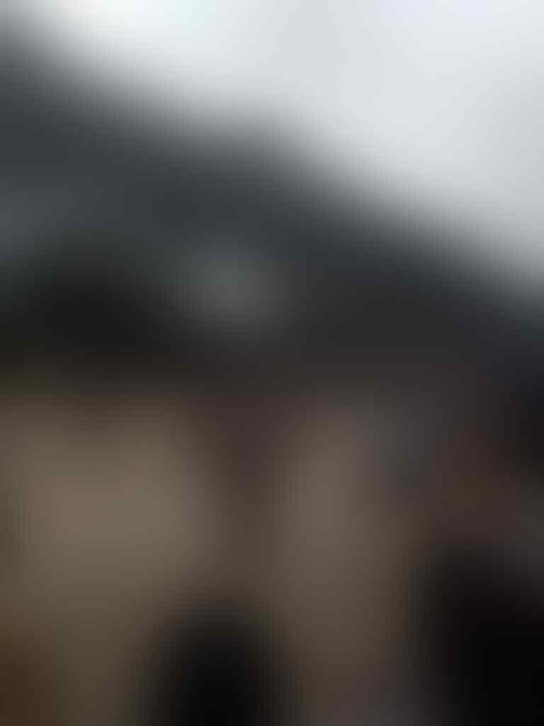 BREAKING NEWS: Lemparan Botol Picu Situasi Jadi Memanas, Polisi Pasang Kawat Berduri