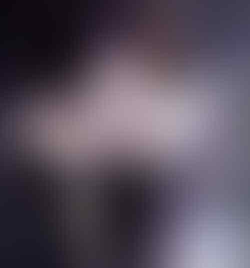 selebritis yang kelihatan cantik pake kaca mata