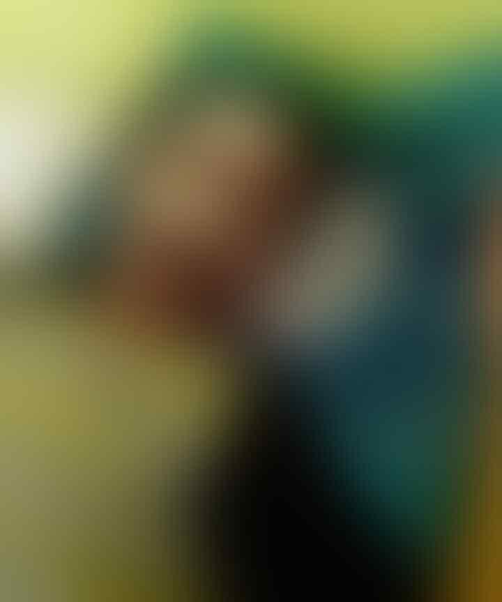 Aksi Pemukulan Pejabat Terhadap Seorang Penjaga Makam Saat Ziarah